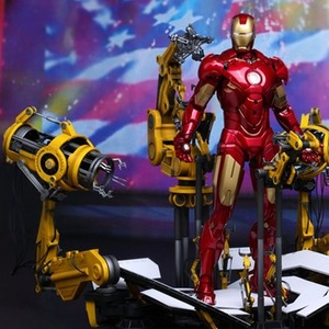 한정판 일본내수용 Iron Man 2: 1/6th scale Suit-Up Gantry with Mark IV Collectible Set
